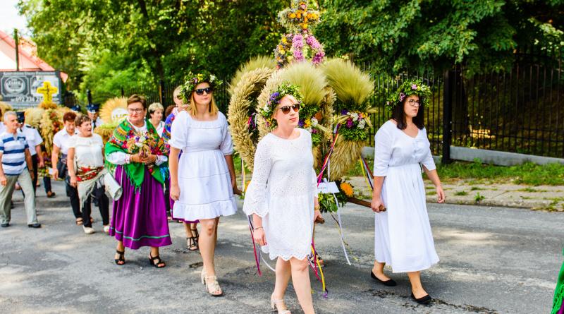 Rolnicy i mieszkańcy Gminy Łoniów świętowali zakończanie żniw