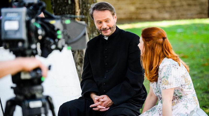 Ekipa filmowa Ojca Mateusza w Sulisławicach